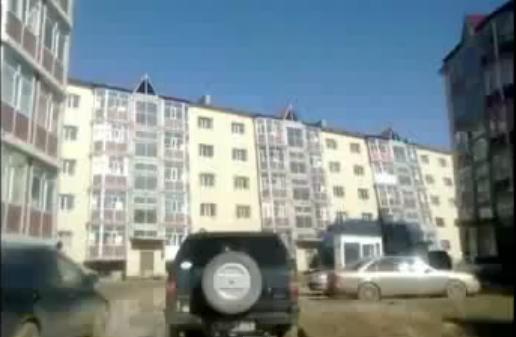 Karagandā apkrīt māja